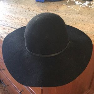 hinge Accessories - Black hat